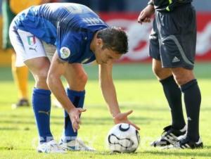 italia-australia_rigore_totti_mondiali_2006