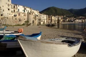 https://pixabay.com/it/italia-sicilia-cefal%C3%B9-94942/