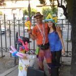 Perdono il lavoro, reinventano la vita: Michael e Federica, artigiani e artisti di strada a Tenerife