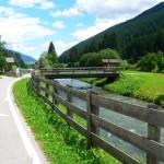 Vacanze: la ciclabile San Candido-Lienz al confine tra Italia e Austria, dove l'anima respira