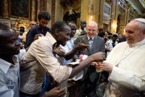 Gli artisti di Refugee Scart incontrano Papa Francesco