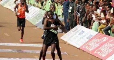 Nigeria: atleta del Kenya rinuncia al traguardo per soccorrere un avversario